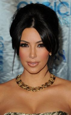 "Kim Kardashian""It's about time! Wow... I just heard that President Obama has officially announced that he supports gay marriage!This is such a huge step forward in our country's fight for civil rights and I hope that today this will give hope to so many young people across the country.We've never had a president so supportive of the lesbian,gay,bisexual and transgender community and today I am proud to be an American!! I'm so happy that our country is making history and moving forward. """