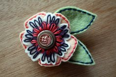 Susan Felt Flower Pin. Princess Lasertron of Omaha, NE. Her blog is pretty sweet, too.