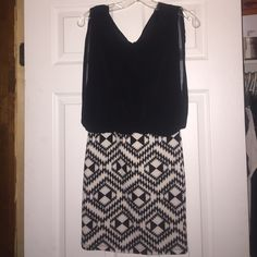 Cute dress. From Papaya.  super cute. Size medium. Worn once good condition. Dresses Mini