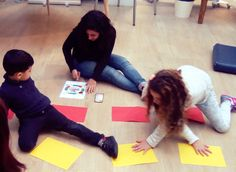 Pendant les smartsttings on joue avec les couleurs ! #educationbienveillante #montessori #children #pariskids #paris #jeux