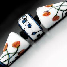 Poppies on White lampwork glass bead set by JCHerrellGlass Mirror Mosaic, Mosaic Art, Handmade Beads, Earrings Handmade, Resin Tutorial, Stained Glass Panels, Murano, Glass Art, Sea Glass