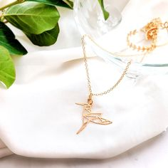 Hummingbird Necklace Gold / Silver