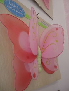 Bebek Odası Duvar kelebek süsleri