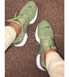 Nike Air Presto Extreme Damenmode Lässig Laufen Sport Sneakers Schuhe – Barbara Shephard – Join the world of pin Sneakers Fashion, Fashion Shoes, Shoes Sneakers, Men Fashion, Women's Shoes, Girl Fashion, Fashion Trends, Fresh Shoes, Hype Shoes
