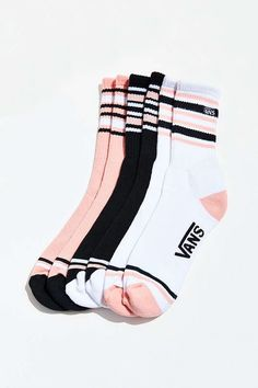 Sneakerheads, the new socks from Vans make you comfortable all summer . Sneakerheads, the new socks from Vans make you cozy all summer longMulticolor Striped Ribbed Crop Henley Tea Noir - Mika Broad Stripe Skir. Casual Outfits, Cute Outfits, Fashion Outfits, Womens Fashion, Trendy Fashion, Estilo Nike, Vans Socks, Mode Adidas, Crazy Socks