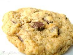 Oatmeal Chocolate Chip Cookies #cookie #recipe #chocolate