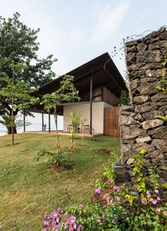 Gallery of The House with the Gabion / Spasm Design - 4