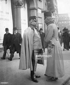 Two military officers in Vienna in front of the Haas-Haus. Vienna. Photography by Emil Mayer, around 1910. [Zwei Offiziere, links einen Oberst von den Jaegern vor dem Haas-Haus. Wien. Photographie...