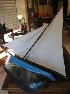 Maquette navigante du début du XXème en bois creusé, longueur hors tout 133 cm
