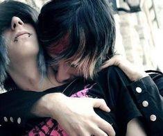 hot couple, im single as shit, i wish i had a bf<<<same.Emo boyfriend or a girlfriend. Cute Emo Couples, Cute Emo Guys, Scene Couples, Hot Emo Boys, Emo Love, Cute Gay, Scene Guys, Emo Scene, Lgbt