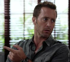 Alex O'Loughlin - H50 7.2 pretty