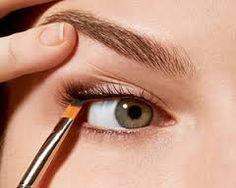 How To Apply Pencil Eyeliner (Eyeliner) -