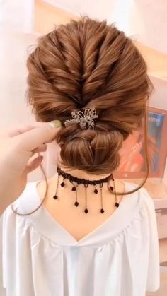 10 Most Trendy Step By Step Hairstyle Tutorials Part 4 Little Girl Hairstyles hairstyle Part Step Trendy tutorials Step By Step Hairstyles, Easy Hairstyles For Long Hair, Easy Wedding Hairstyles, Short Hair Updo Easy, Easy Hair Up, Quick Updo, Easy Updos For Medium Hair, Braids Step By Step, Easy Wedding Updo