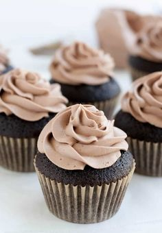 Chocolate Whipped Cream Cream Cheese Frosting - The Merchant Baker Frosting Recipes, Cupcake Recipes, Cupcake Cakes, Dessert Recipes, Desserts, Coffee Frosting Recipe, Buttermilk Frosting, Buttercream Recipe, Butter Frosting