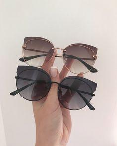Bild hochgeladen von Zoé auf We Heart It, Trending Sunglasses, Stylish Sunglasses, Round Sunglasses, Sunglasses Women, Cat Eye Sunglasses, Cute Glasses Frames, Womens Glasses Frames, Glasses Trends, Lunette Style