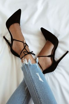 Pumps High heels Classy shoes Jeans Inspiration More on Fashionchick Suede Shoes, Shoe Boots, Strappy Shoes, Heeled Sandals, Ankle Boots, Velvet Shoes, Leather Shoes, Slingback Shoes, Leather Dresses