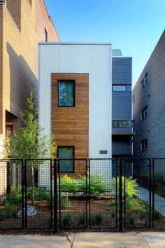 """2,039-sf prefab Chicago home, """"almost off the grid"""""""