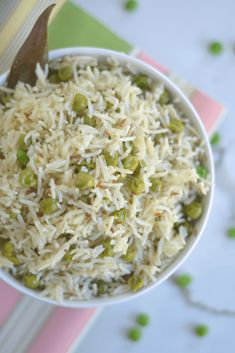 Peas Pulao is an aromatic rice dish made right in your Instant Pot for quick and delicious results. This dish makes the perfect pairing for almost any curry Side Dish Recipes, Lunch Recipes, Real Food Recipes, Side Dishes, Vegetarian Comfort Food, Vegan Vegetarian, Vegetarian Recipes, A Food, Good Food