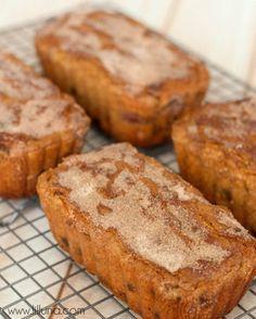 Snickerdoodle Bread - World's best bread EVER!! { lilluna.com } #snickerdoodlebread #bread