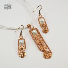 Swirly Stick Set - copper by Zsamo on DeviantArt Wire Jewelry Earrings, Copper Wire Jewelry, Wire Jewelry Designs, Handmade Wire Jewelry, Wire Necklace, Wire Wrapped Earrings, Wire Wrapped Pendant, Jewelry Crafts, Beaded Jewelry