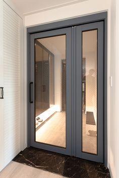 중문,현관인테리어,화이트인테리어,전주인테리어,위브어울림,디자인투플라이,아파트인테리어 Interior And Exterior, Interior Design, Aluminium Doors, Luxury Apartments, Glass Door, Entrance, Stairs, Windows, Mirror