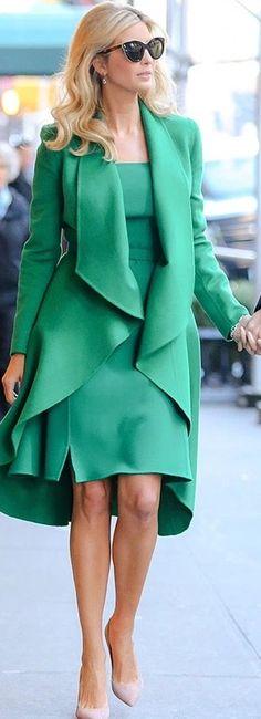 Ivanka Trump in gorgeous emerald Oscar de la Renta ensemble.