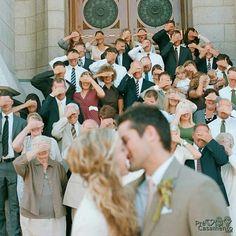 Sugestão de fotogragia logo após a cerimônia precasamento.com #precasamento #sitedecasamento #bride #groom #wedding #instawedding #engaged #love #casamento #noiva #noivo #noivos #luademel #noivado #casamentotop #vestidodenoiva #penteadodenoiva #madrinhadecasamento #pedidodecasamento #chadelingerie #chadecozinha #aneldenoivado #bridestyle #eudissesim #festadecasamento #voucasar #padrinhos #bridezilla #casamento2016 #casamento2017