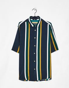 Pantalón con banda lateral - Pantalones - Bershka España Mens Clothing Guide, Mens Clothing Styles, Indian Men Fashion, Best Mens Fashion, Outfits With Striped Shirts, Casual Shirts, Rugby Outfits, Camisa Floral, Everyday Casual Outfits