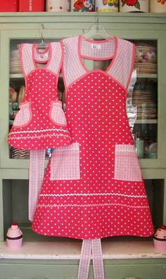 1940 Pink Polka Dot Pink Gingham Apron, mother and daughter aprons