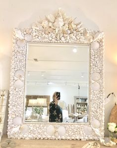 Excited to share this item from my shop: White seashell mirror, antique seashells mirror Seashell Art, Seashell Crafts, Seashell Bathroom, Seashell Painting, Diy Mirror, Wall Mirror, Antique Decor, Interiores Design, Decoration