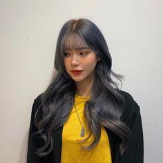 애쉬 퍼플+블루?🤷🏻♂️ . #살롱하츠도경 #도경쌤 붙임머리는 홍대 #앤붙임머리 입니다 !🤟🏻 Hair Cut Pic, Hair Cuts, Girl Korea, Today Pictures, Korean Beauty, Ulzzang Girl, Wig Hairstyles, Dyed Hair, Korean Girl