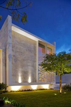 house by Ricardo Agraz