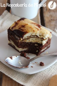 Tiramisú Brownie look so good just need to fid the recipe in English! Desserts To Make, Delicious Desserts, Dessert Recipes, Yummy Food, Hershey Recipes, Brownie Recipes, Tiramisu Brownies, Cookie Brownie Bars, Gateaux Cake