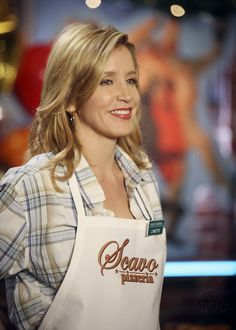 """Felicity Huffman (as Lynette Scavo) in """"Desperate Housewives"""" (TV Series)"""