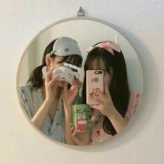 Y/n + y/n's bff Korean Girl Cute, Korean Girl Ulzzang, Ulzzang Couple, Couple Girls, Bff Girls, Foto Best Friend, Best Friend Goals, Best Friend Pictures, Bff Pictures