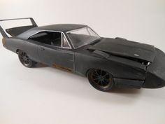 Miniaturas de carros clássicos destruídos  http://vimeo.com/47088838
