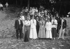 [B.C.] Sugar Refinery picnic [group photo] - City of Vancouver Archives