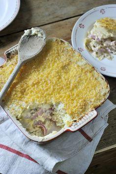Ovenschotel met witloof en ham http://www.njam.tv/recepten/ovenschotel-met-witloof-en-ham