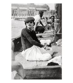Gabrielle Chanel à Venise en 1936 http://www.vogue.fr/joaillerie/a-voir/diaporama/chanel-joaillerie-coco-chanel-bijoux/13924/image/774330#!gabrielle-chanel-a-venise-en-1936