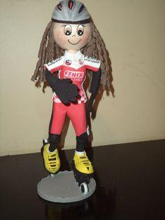 fofucha patinadora personalizada realizada por erika manos creativas