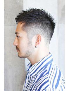 ギフトサニーサイド(gift sunny side)【gift:表参道】ハイフェードナチュラルショート(上地) Asian Man Haircut, Asian Men Hairstyle, Cool Hairstyles For Men, Japanese Hairstyle, Boy Hairstyles, Haircuts For Men, Asian Short Hair, Asian Hair, Short Hair Cuts