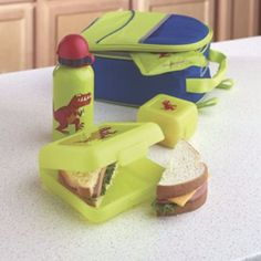Kids will be excited to open their lunch with these safe and adorable One Step Ahead Lunch box essentials from @examinercom + a giveaway: https://www.facebook.com/JenniferAzevedoJournalist?app_data={%22from%22%3A%22admin_wall%22}&v=app_190076381016644