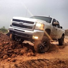 Rims/tires for the truck Chevy Pickup Trucks, Lifted Chevy Trucks, Gm Trucks, Chevy Pickups, Diesel Trucks, Cool Trucks, Silverado Truck, Chevrolet Silverado, Future Trucks