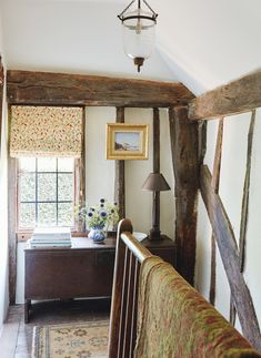 Real home: a country-style kitchen and bedroom extension to a Grade II-listed timber home Country Furniture, Country Kitchen Flooring, Country Style Dining Room, Kitchens And Bedrooms, Country Cottage Decor, Timber House, Country Style Homes, Home Decor, Country House Decor