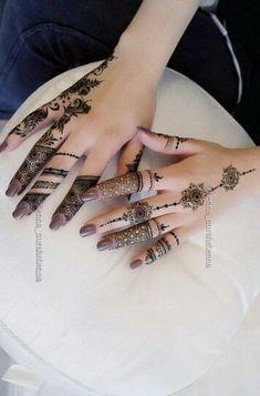 Henna Tatoos, Mehndi Tattoo, Mehndi Art, Henna Tattoo Designs, Henna Mehndi, Henna Art, Hand Henna, Mehendi, Henna Hands