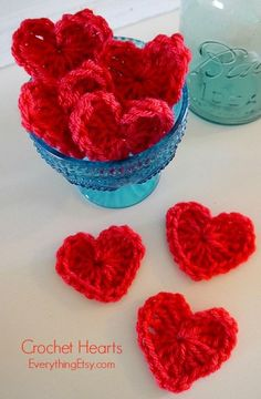 Crochet Hearts @Jane Izard Curtis Etsy - Free Pattern. I love these. I don't crochet, but I'm going to try these. KM Free Heart Crochet Pattern, Crochet Hearts, Crochet Flowers, Crochet Baby, Double Crochet, Crochet Gifts, Free Crochet, Free Pattern, Crochet Patterns