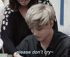 {gif} Sweet Kai :') <3 oh my goodness YAA how the hell can we not cry our ass off when we met you and the other members?:''')) OMG #jongin #exo