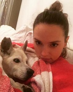 Daisy and Muffin Daisy Ridley Star Wars, Star Wars Sequel Trilogy, Rey Star Wars, Beautiful Inside And Out, Girl And Dog, Rare Pictures, English Actresses, Hollywood Actor, Natalie Portman