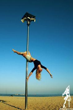 1st Feeling Woman Photography Contest finalist | Finalista de nuestro 1r Concurso de Fotografía Feeling Woman | #poledance #poledancing
