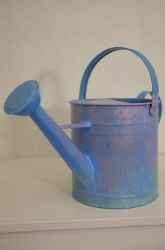 Paint a pretty watering can for #MothersDay!